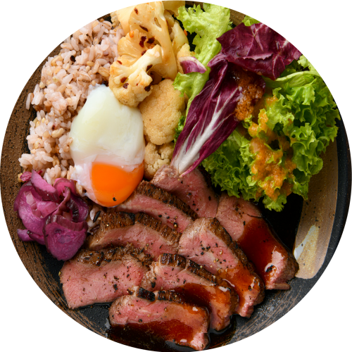 Pave the way to a healthy lifestyle with our recommended ratio of 1 protein to 2 vegetables/sides to 1 carb.